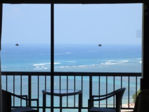海辺の窓ガラス